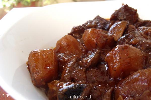 אסאדו בפטריות ויין אדום