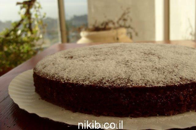 עוגת שוקולית ואגוזים