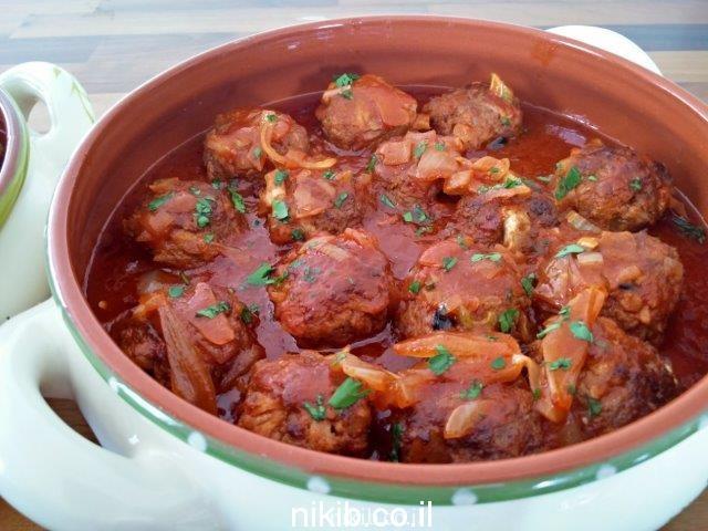 קציצות בשר וכרובית עסיסיות ברוטב עגבניות