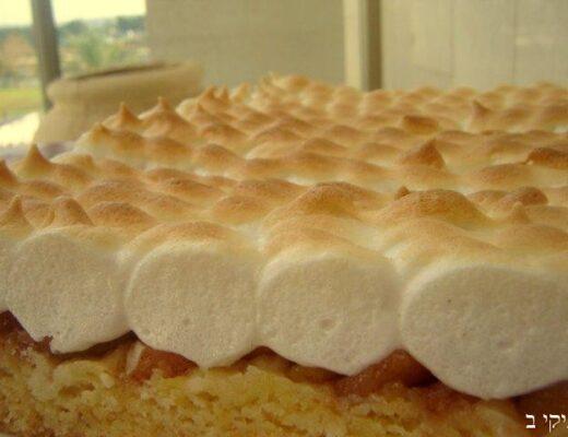 עוגת תפוחים עם קצף אפוי