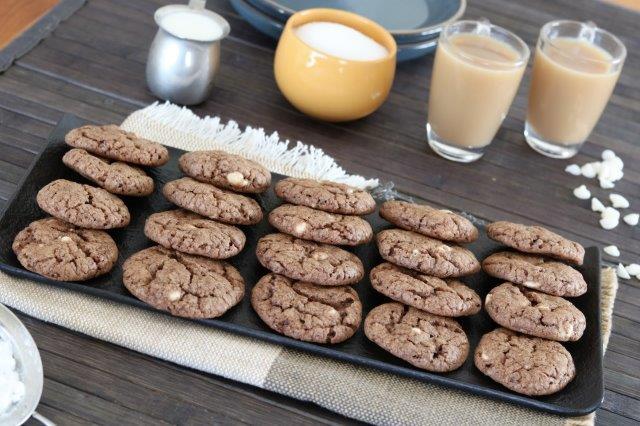 עוגיות שוקולד צ'יפס עם קורנפלקס
