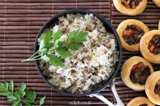 מג'דרה מאורז בסמטי ועדשים ירוקות