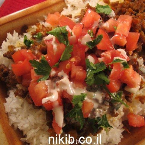 סינייה מתכון לבשר כבש טחון עם טחינה ועגבניות