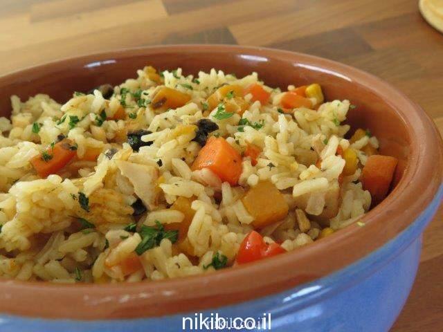 אורז עם ירקות ועוף