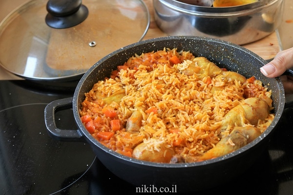 אורז עם עוף בסיר אחד