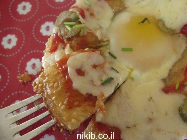 ביצה בקן בלחמניה