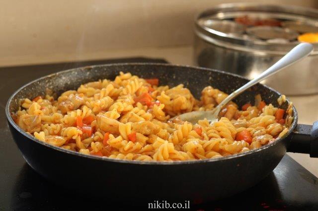 תבשיל פרגיות עם פסטה
