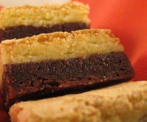 עוגת שוקולד ומוס קוקוס אפויה