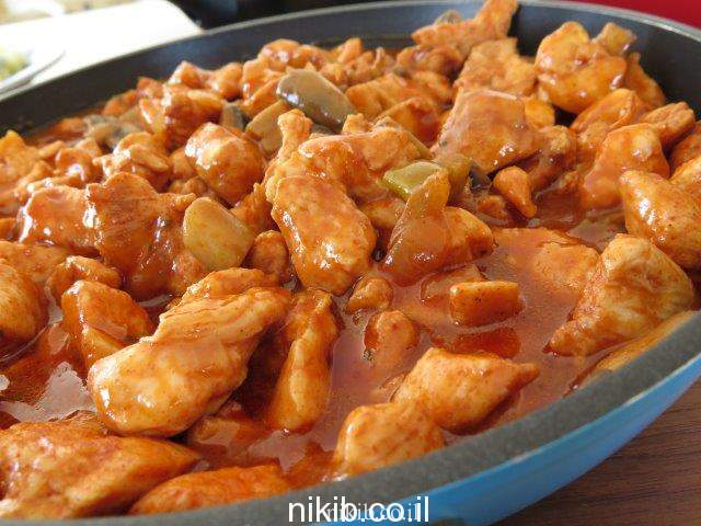 חזה עוף ברוטב עגבניות ופטריות