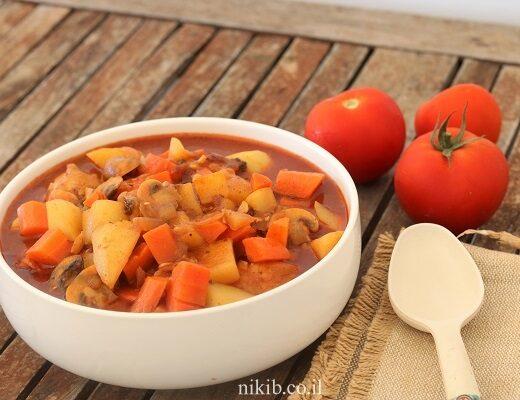 עוף עם ירקות בסיר