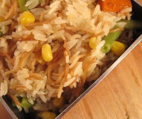 אורז ואטריות בסגנון סיני