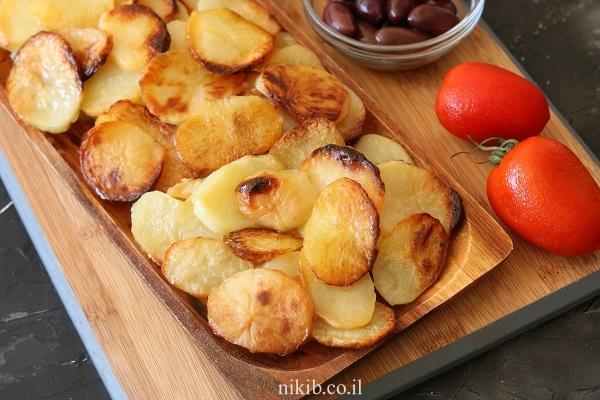 ככה מכינים תפוחי אדמה אפויים במינימום שמן