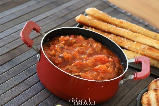 סלט קישואים ועגבניות