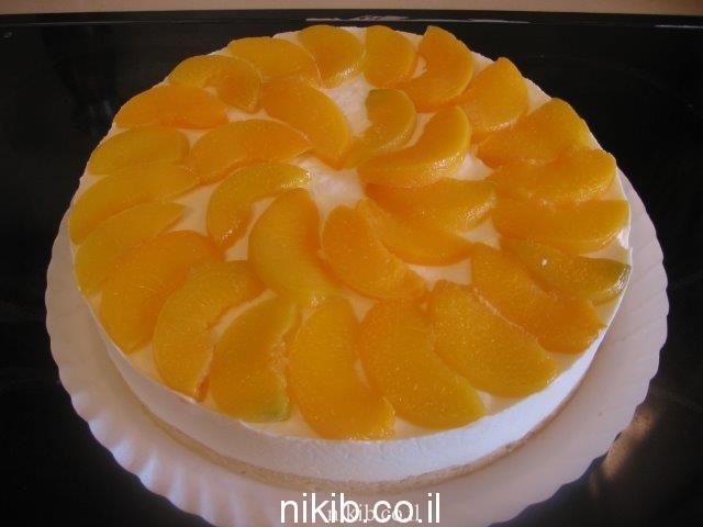 עוגת גבינה ואפרסקים