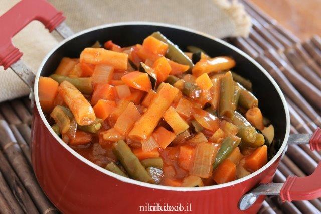 תבשיל שעועית ירוקה עם ירקות