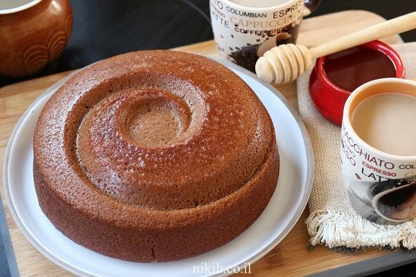 עוגת דבש עסיסית וקלת הכנה