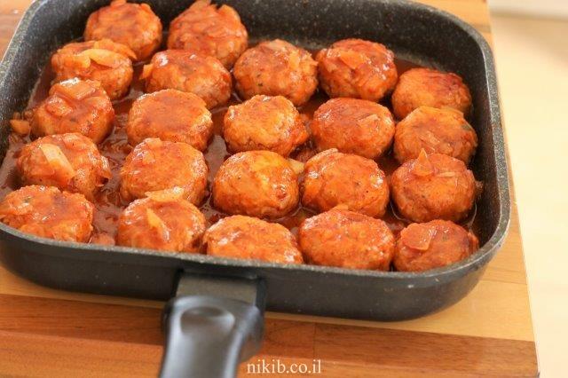 כדורי בשר ואורז מלא ברוטב