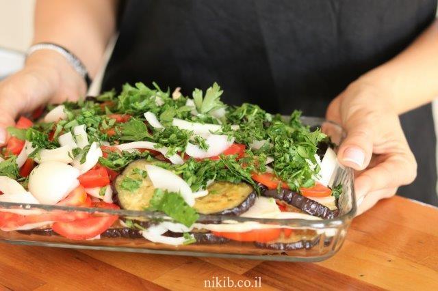 סלט חצילים ועגבניות מוחמץ
