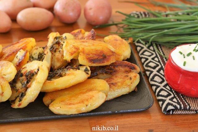 תפוחי אדמה פריכים בשום