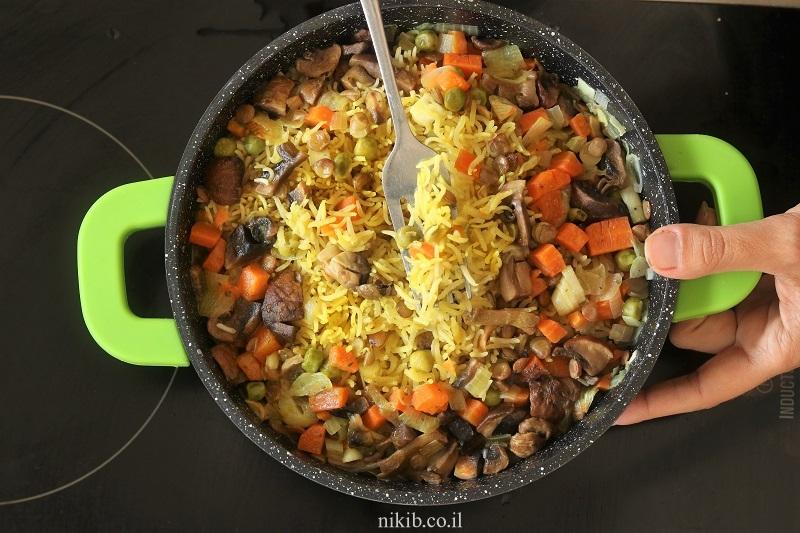 אורז עם עדשים וירקות