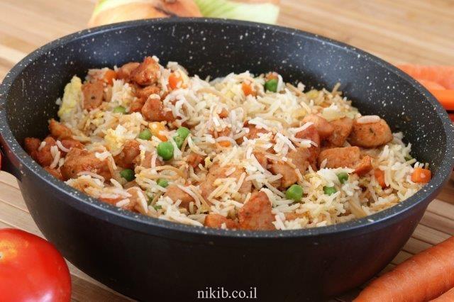 אורז סיני עם חזה עוף