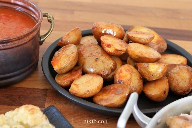 תפוחי אדמה קטנים אפויים בתנור