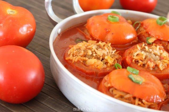 עגבניות ממולאות בשר טחון ואורז