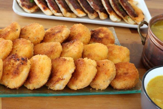 לביבות תפוחי אדמה עם פירורי לחם