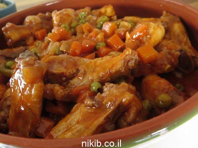 תבשיל עוף אפונה וגזר