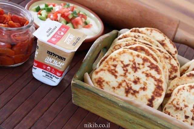 לחם גבינות שטוח