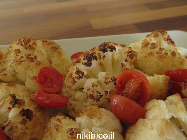 כרובית אפויה עם עגבניות