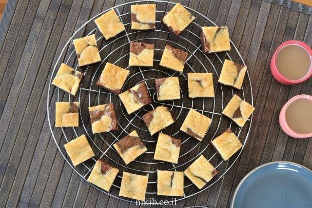 עוגיות שוקולד צ'יפס עם בראוניז