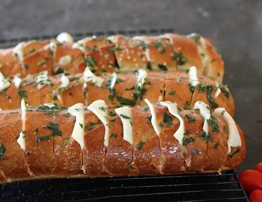 לחם שום ומוצרלה מטריף!