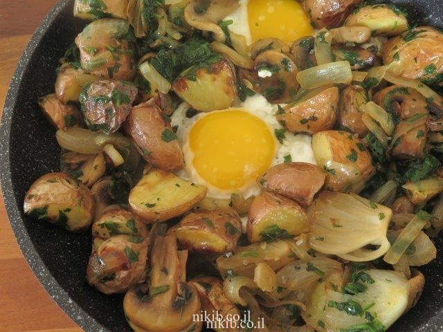 תפוחי אדמה עם תרד ופטריות