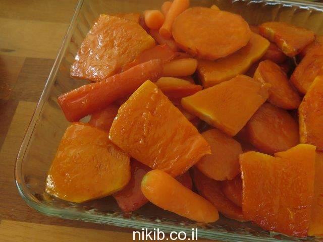 ירקות אפויים כתומים