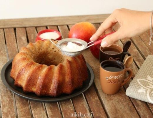 עוגת תפוחים קלה ועסיסית