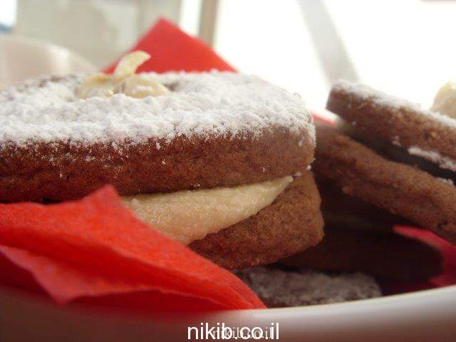 עוגיות שוקולד קפה עם מילוי חלבה
