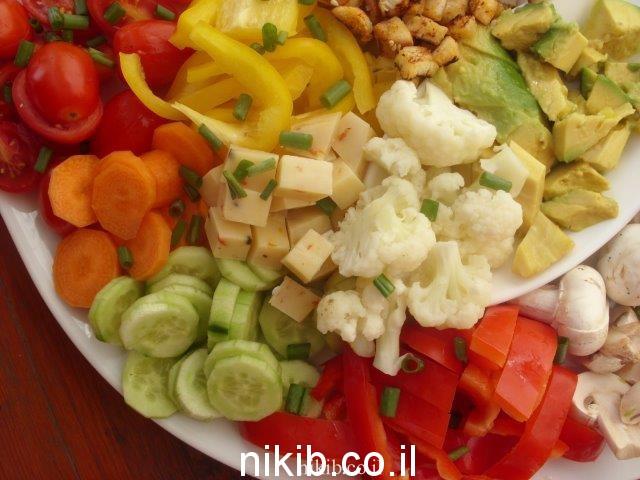 פלטת ירקות וגבינות