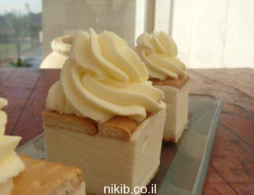 עוגת ביסקוויטים גבינה וקצפת
