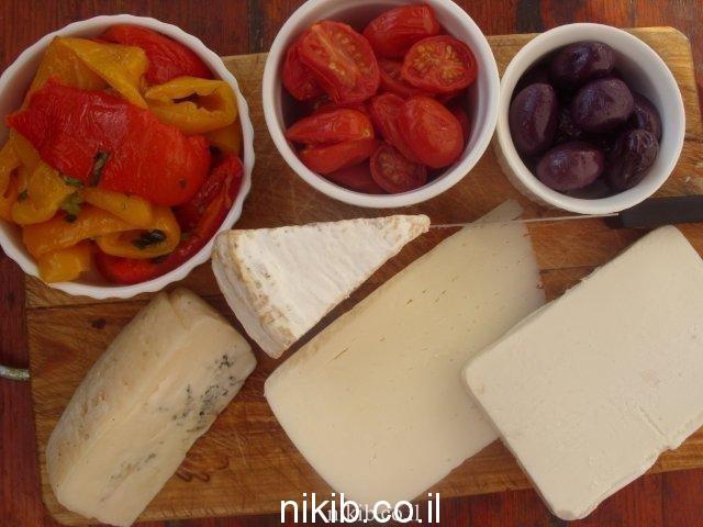 פלטת גבינות ומאזטים