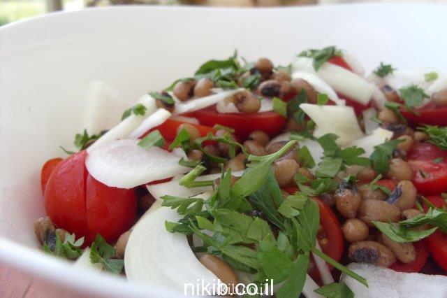 סלט לובייה ועגבניות