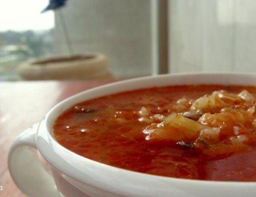 מרק עגבניות וגריסים