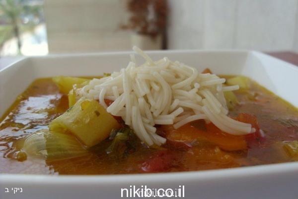 מרק ירקות שורש