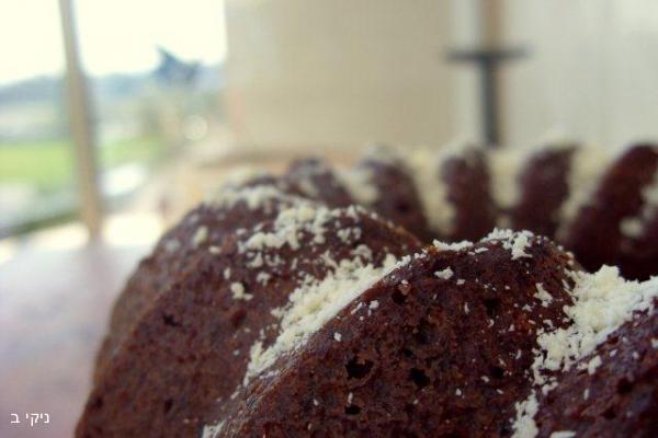 עוגת תמרים קלילה ומהירה