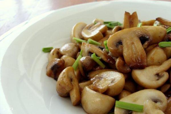 פטריות מוקפצות / הגיע הזמן לבשל את ארוחת שישי