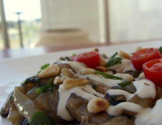 תבשיל פטריות ברוטב ברוטב טחינה